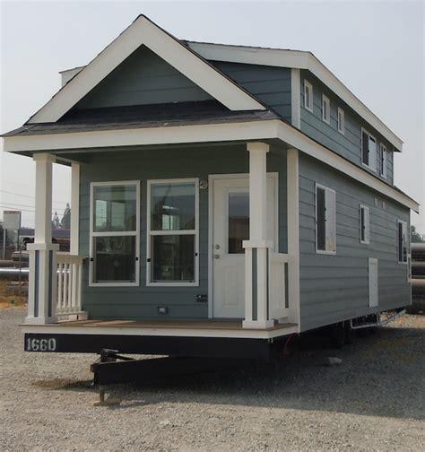 big tiny house big tiny home on wheels tiny house pins
