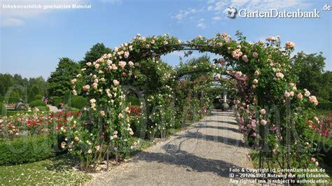 Britzer Garten Berlin  Infos + Bilder