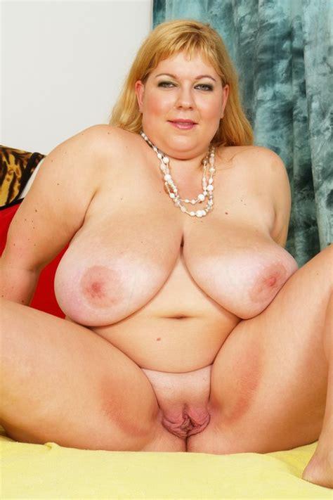 Sexy Latina Sucks Fucks