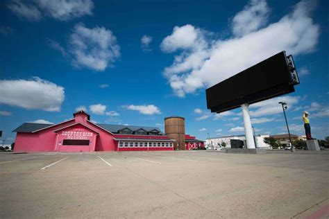 Country Barn Amarillo by Digital Billboard Complicates Country Barn Auction News