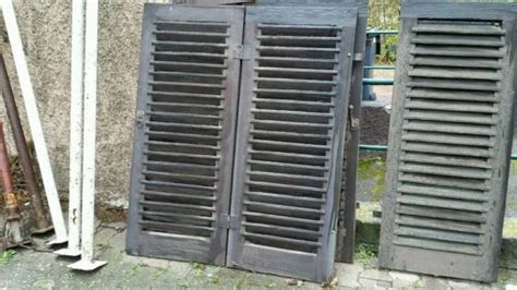 Jede Menge Alte Fensterläden (teils Funktionstüchtig) Zu