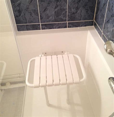 baignoire bébé avec siège intégré siège pivotant de baignoire ou de pour handicapé