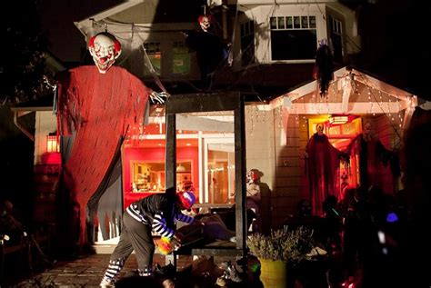 creepy clown decorations evil clowns halloween decor 25 halloween outdoor decorations that will definitely make the
