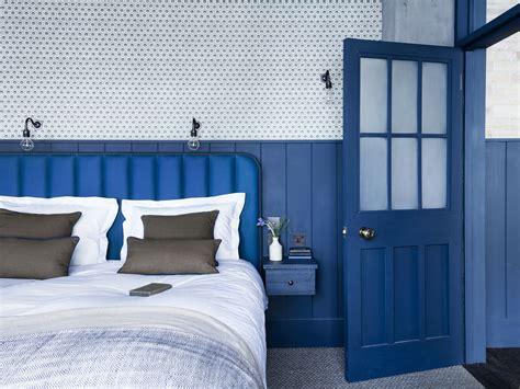 steal    bright blue bedroom   london loft