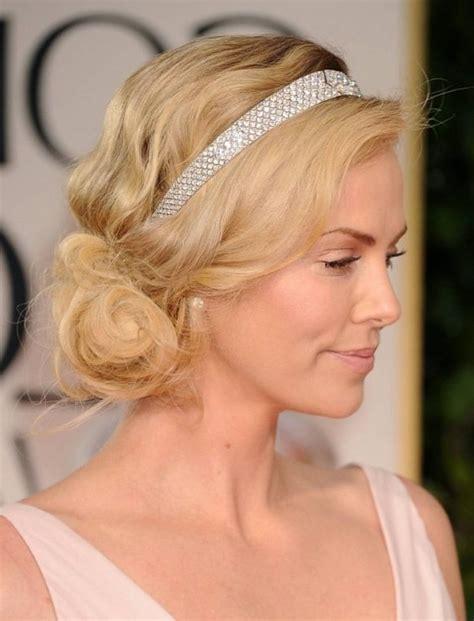 hochsteckfrisur mit haarband hochsteckfrisur mit haarband frisuren mittellang frisuren frisur hochgesteckt und stirnband