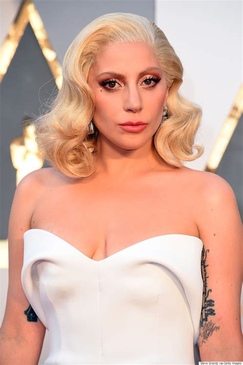 Lady Gaga's Oscars 2016 Ensemble Oozes Of Old Hollywood Glamour