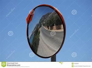 Miroir De Rue : miroir de rue images libres de droits image 21656529 ~ Melissatoandfro.com Idées de Décoration