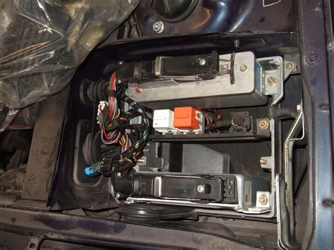 picture   location   fuel pump relay