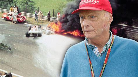 Zwei jahre nach dem tod von niki lauda: Niki Laudas Crash am Nürburgring vor 40 Jahren - Zur Hölle ...