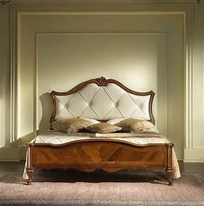 Bett Mit Gepolstertem Kopfteil : bett in eingelegtem holz mit gepolstertem kopfteil idfdesign ~ Sanjose-hotels-ca.com Haus und Dekorationen