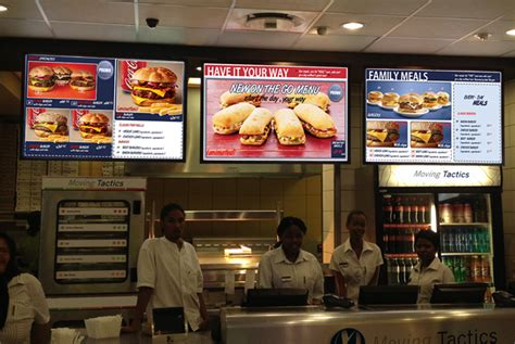 building multi channel digital signage opportunities