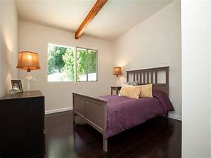 Photo page hgtv for Rooms with black floors