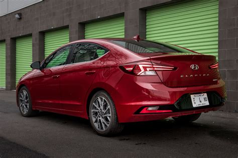 2019 Hyundai Elantra: 8 Things We Like (and 4 Not So Much ...