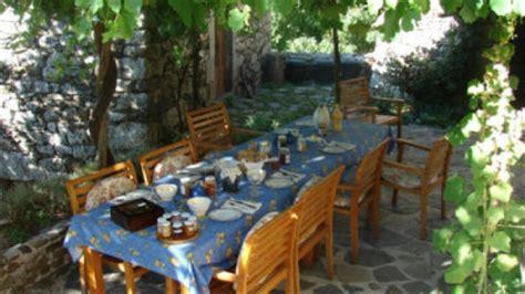 chambre dhote  table dhotes petit dejeuner en cevennes