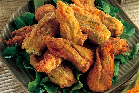 ricette fiori di zucca fritti ricetta fiori di zucca farciti dorati e fritti la