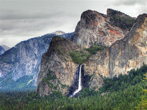 Yosemite Falls Wallpapers