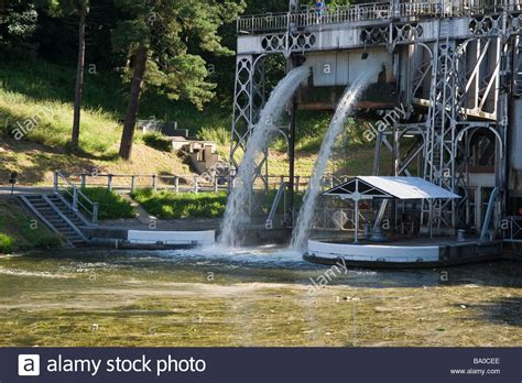 Boat Lift Out Of Water by Canal Du Centre Boat Lift Number 3 Water Flowing Out Of
