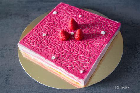 ottoki mousse de fraise avec carre flexipat  tapis