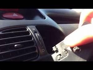 Video De Sexisme Dans Une Voiture : enlever la grille d 39 a ration d monter bouches de ventilation d 39 une voiture youtube ~ Medecine-chirurgie-esthetiques.com Avis de Voitures