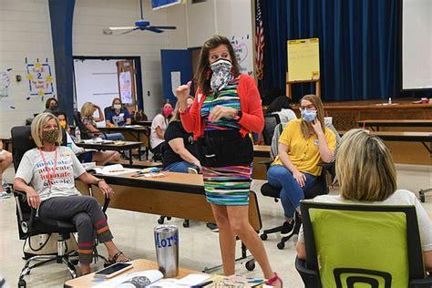 lakeside school aims  capture kids hearts