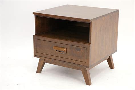 bouts de canap駸 bout de canap en hva massif vintage de qualit meuble pour le salon lotusa