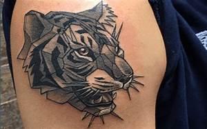 Loup Tatouage Geometrique : tatouage tete de tigre geometrique ~ Melissatoandfro.com Idées de Décoration