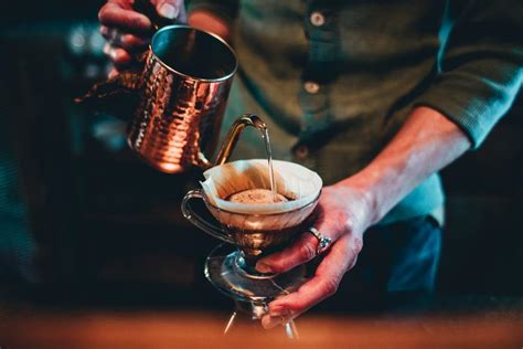 But while the overarching method used to extract all the good stuff from your coffee grounds giving your grounds time to rise and expel gas is important because the escaping co2 makes it difficult for water to get in and start extracting and. The Best Pour Over Coffee Ratio | The Kuju Journal - Kuju Coffee
