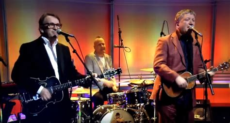 pop band squeeze criticise david cameron   bbc