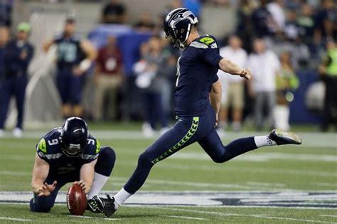 thiel seahawks  kick  season strong playoffs