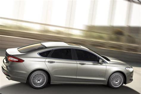 2015 Ford Fusion Hybrid & 2015 Ford Fusion Energi
