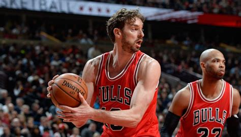 Pau Gasol With 18 Points and 10 Rebounds vs Cavs (VIDEO)