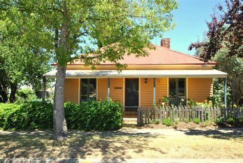 cooma cottage cooma cottage australia booking