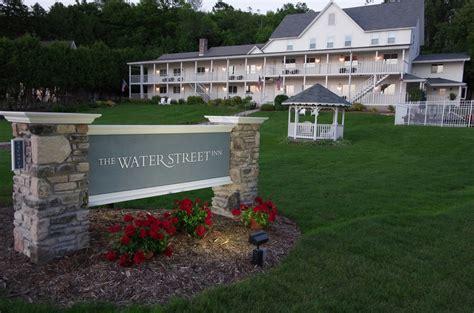 hotels in door county wi last minute lodging options in door county wi october 2