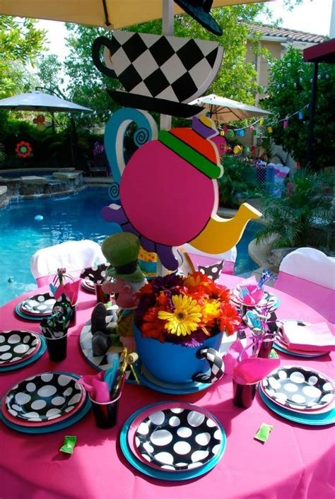 alice and wonderland table decorations 261 best images about tablescapes place settings on pinterest