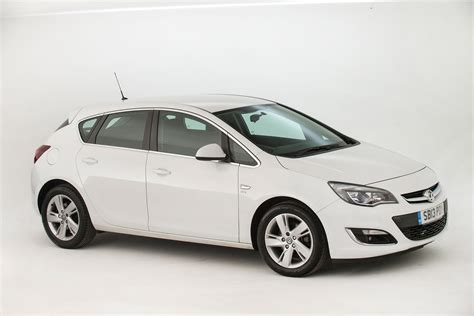 Opel Uk by Used Vauxhall Astra Review Auto Express