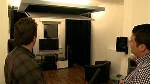 Beamer Leinwand Selber Bauen : wohnzimmerkino mit automatisch ausklappbarer rahmenleinwand youtube ~ Watch28wear.com Haus und Dekorationen