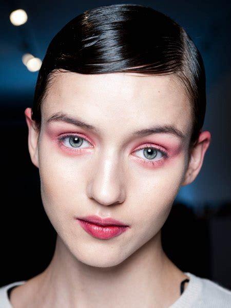 Красный макияж как выглядит варианты нанесения и фото