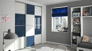 dressing pour votre chambre portes de placard pour chambre With porte d entrée alu avec meuble salle de bain bleu lagon