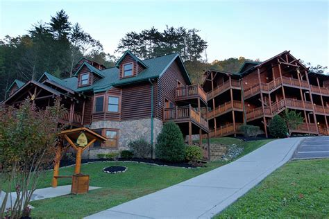 cabin resorts in gatlinburg tn water park in the great smoky mountains westgate