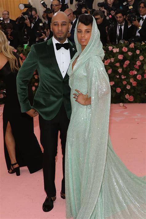 celebrity couples    met gala red carpet