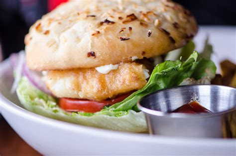 grouper sandwich fish florida miami sandwiches st fried grilled mahi petersburg guide try foods local prefer blackened staples perhaps cuisine
