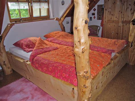möbel aus baumstämmen bett aus baumst 228 mmen wunderbar bett aus baumst mmen und beste ideen holzatelier igor