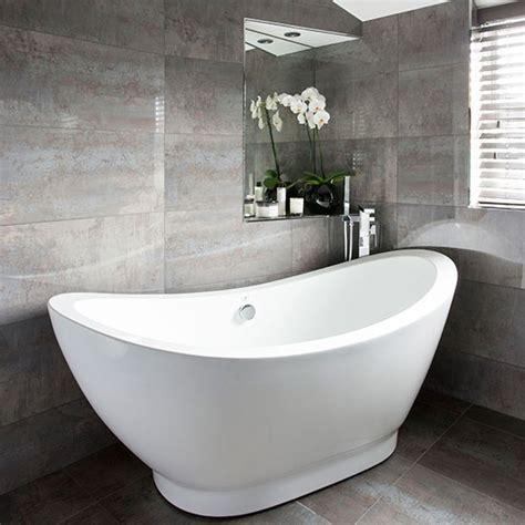 Modernes Bad Grau by Grey Bathroom With Slipper Bath Decorating Housetohome
