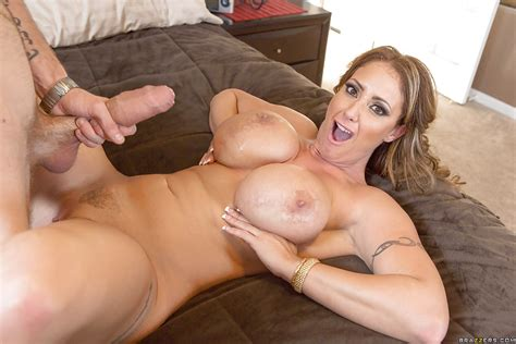 Cougar With Over Sized Big Tits Eva Notty Loses Control