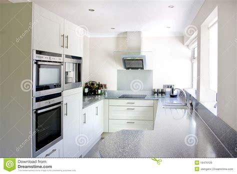 photo cuisine blanche cuisine blanche moderne photo stock image du générique