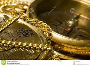 Compas D Or : compas et calendrier d 39 or de vieux type photo stock image du closeup orientation 1401628 ~ Medecine-chirurgie-esthetiques.com Avis de Voitures