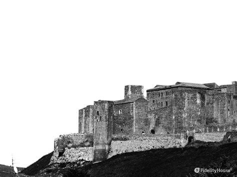 castello  melfi basilicata fidelity foto