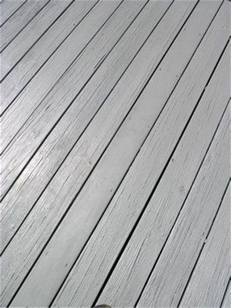 deck   coat  weatherproofing  house