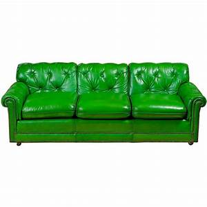 Stunning 1960s grass green leather sofa at 1stdibs for Green leather sofa
