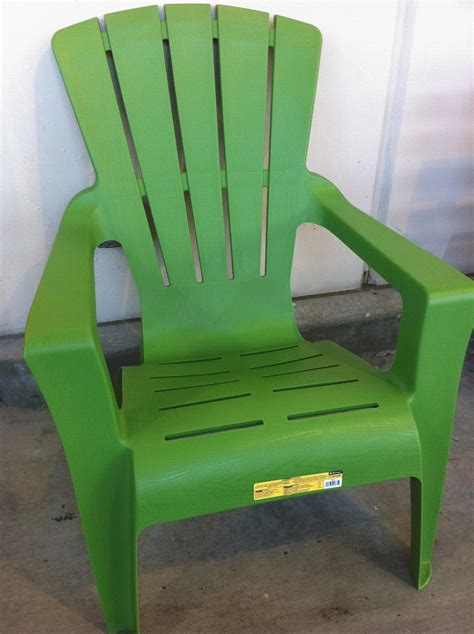 100 colorful plastic outdoor chairs recycled